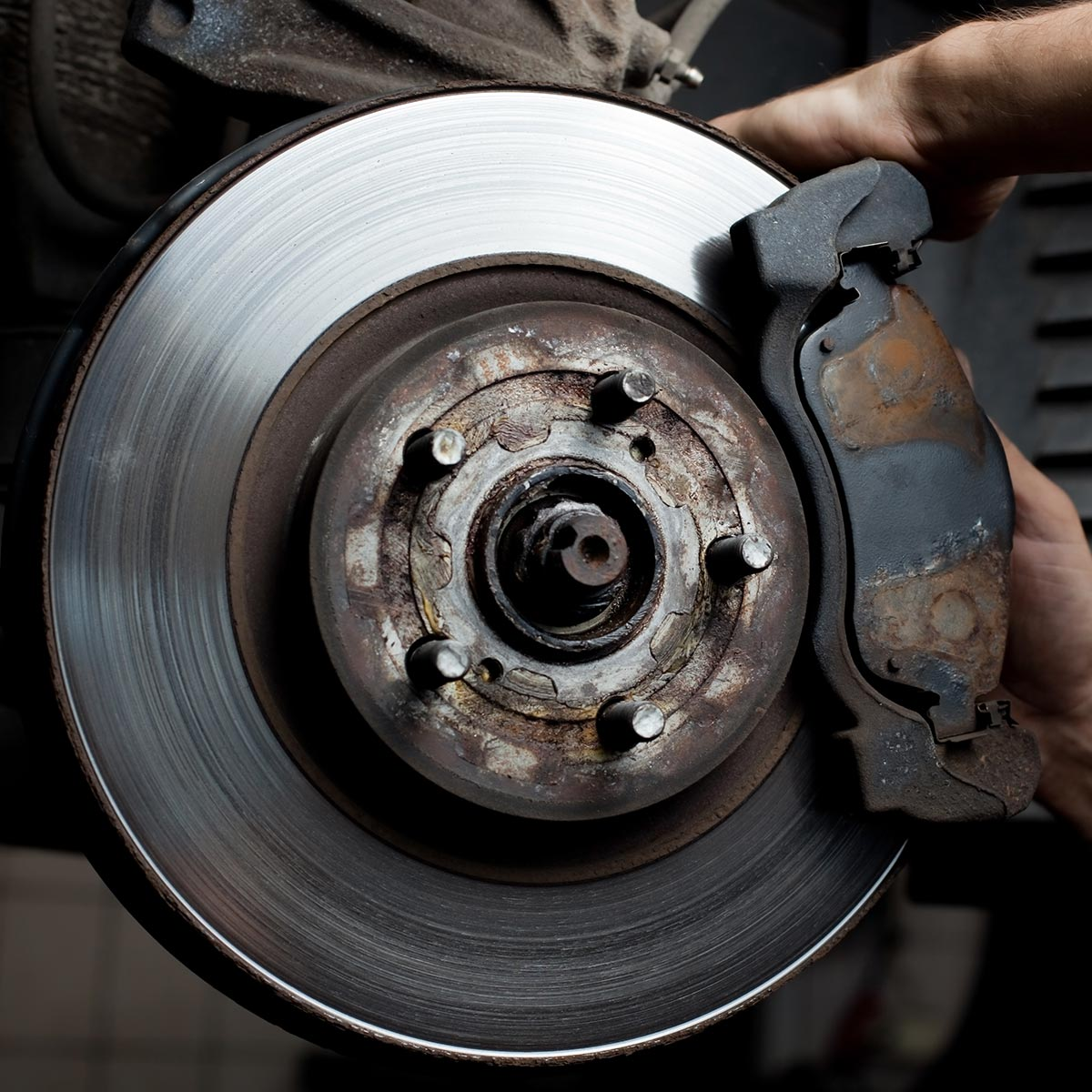 Why do brakes brake when braking Causes of squeaking, repair or replacement of brake pads
