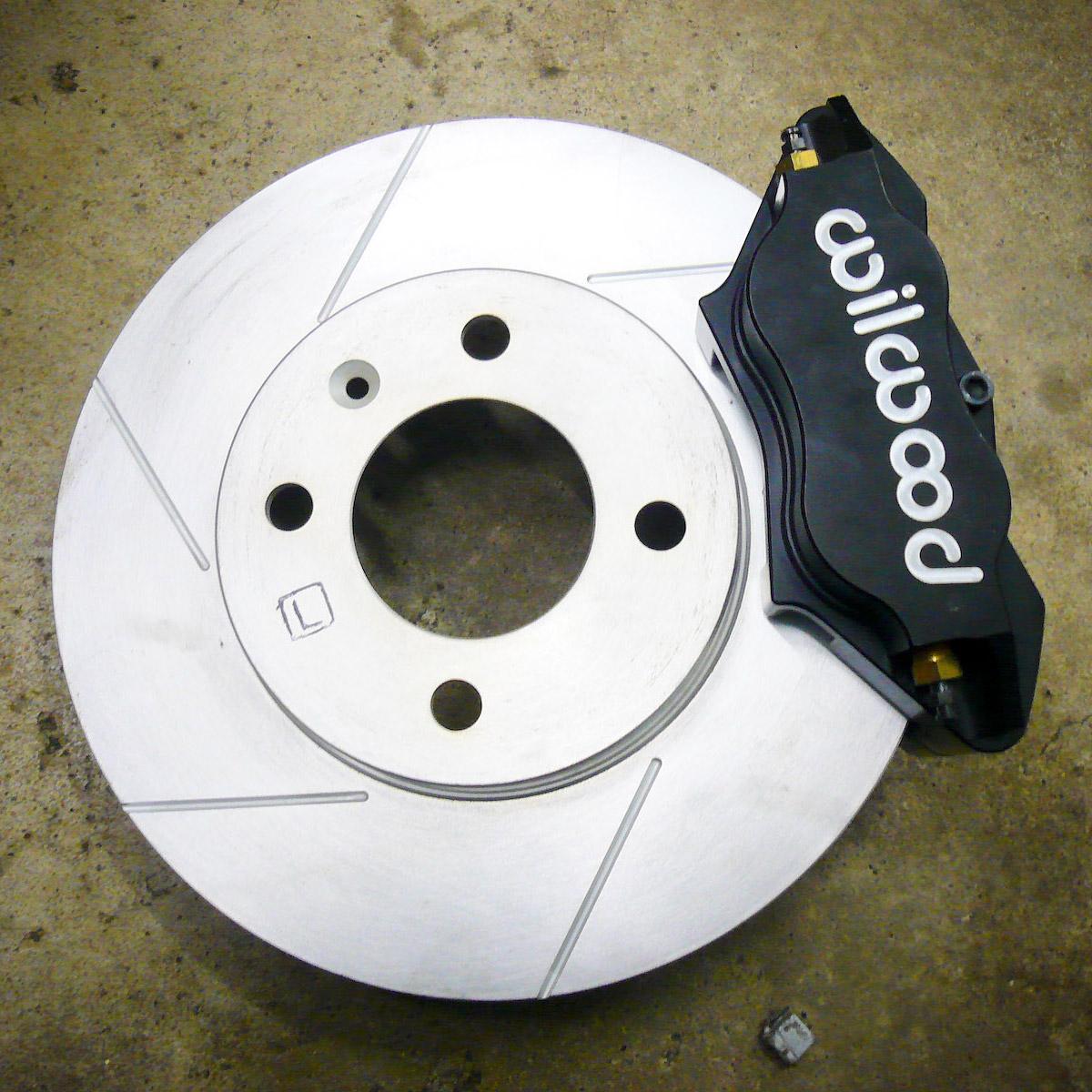 Brake Caliper Replacement Costs Repairs Autoguru When To Change Pads