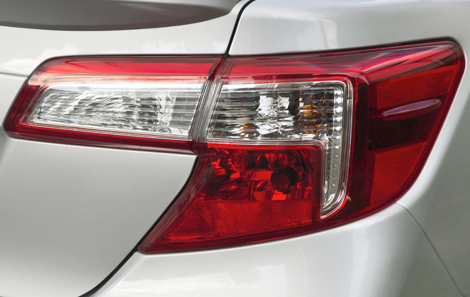 Captivating How Is Tail Light Lens Replacement Performed? Great Ideas