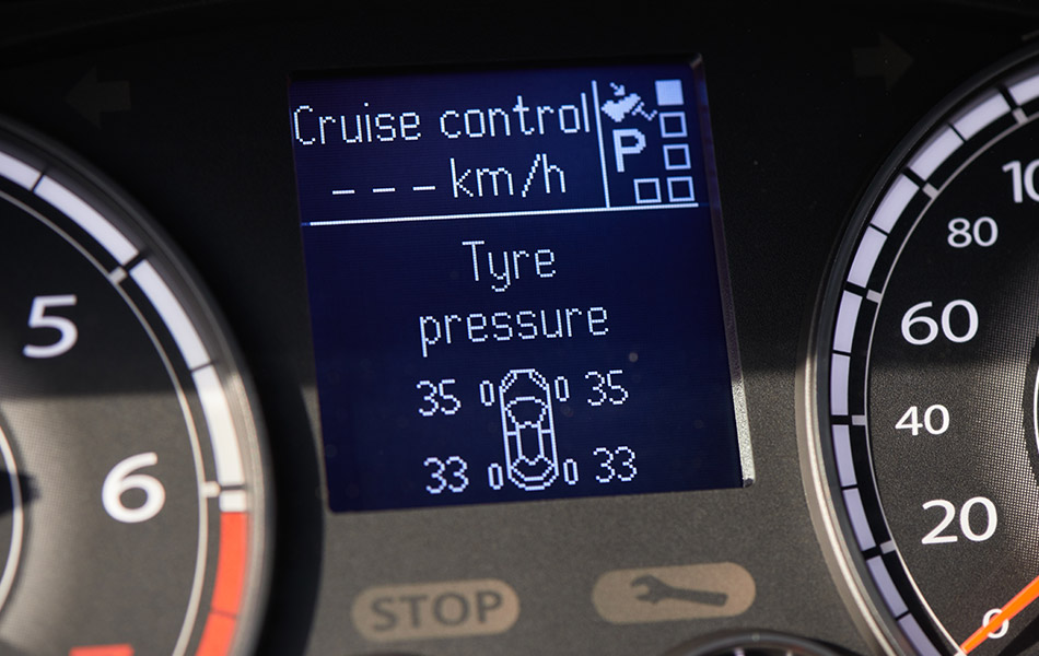 tyre pressure monitoring system display